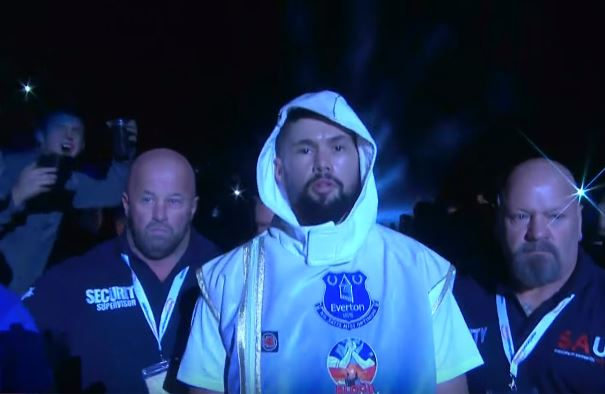 Tony Bellew Reacts To Roy Jones