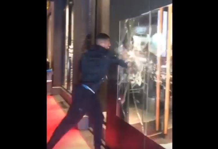 anthony joshua smashes window