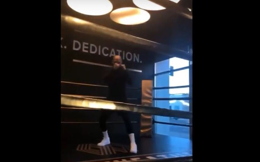 Floyd Mayweather Back In The Gym At 41