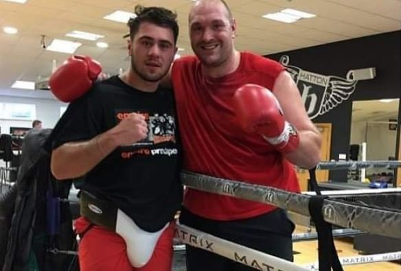 Tyson Fury Sparring Partner Posts Pic From 1 Year Ago Showing Dramatic Weight Loss For Wilder