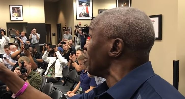 Mayweather Sr Explains His Pick In Pacquiao vs Broner