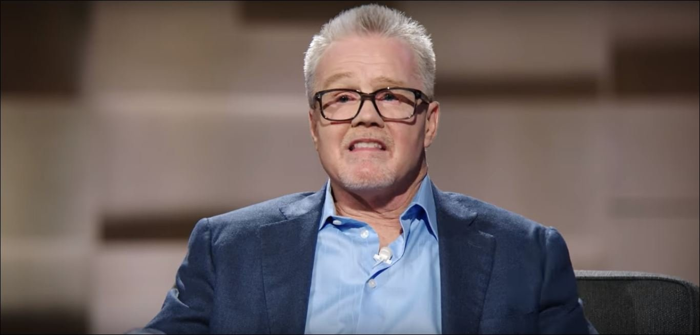 Freddie Roach Reveals Horrifying Gruesome Details Of His Most Extreme Street Fight