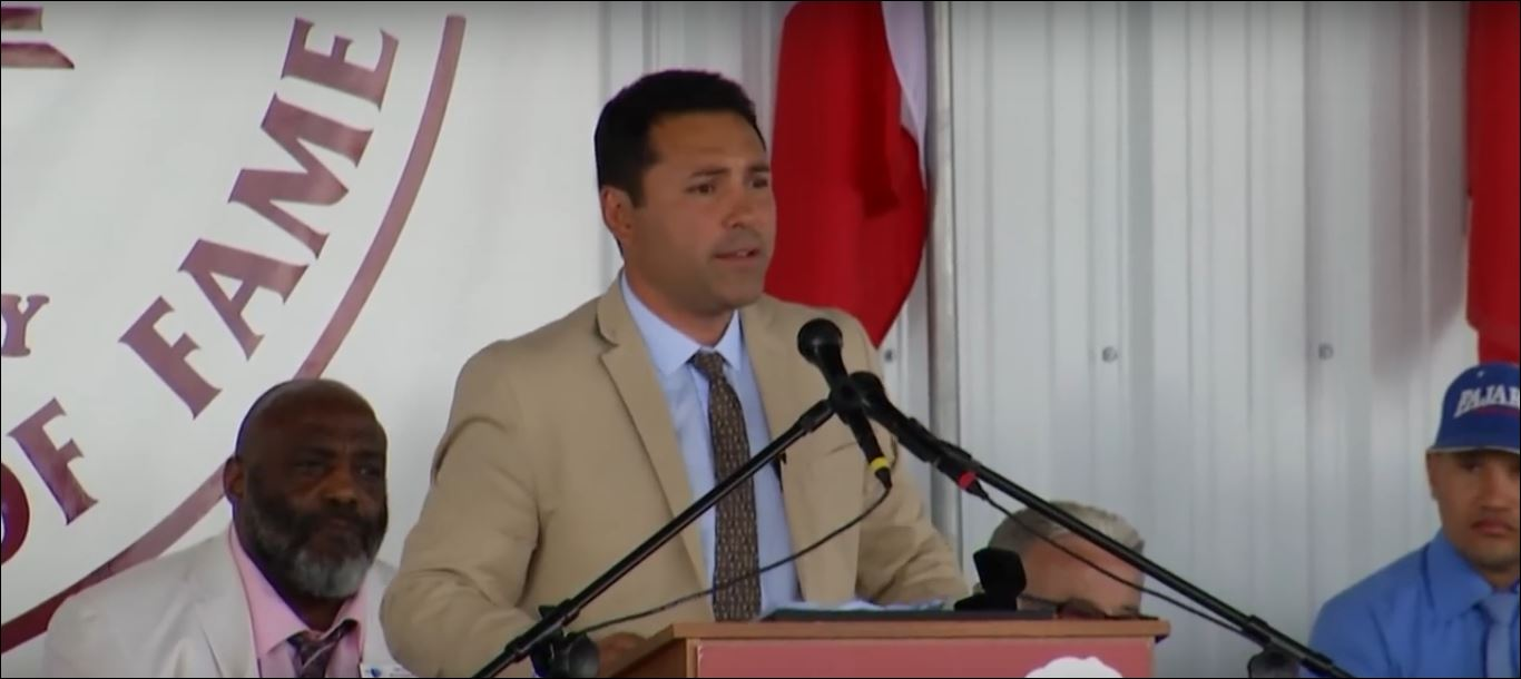 Oscar De La Hoya Delivers Powerful Speech