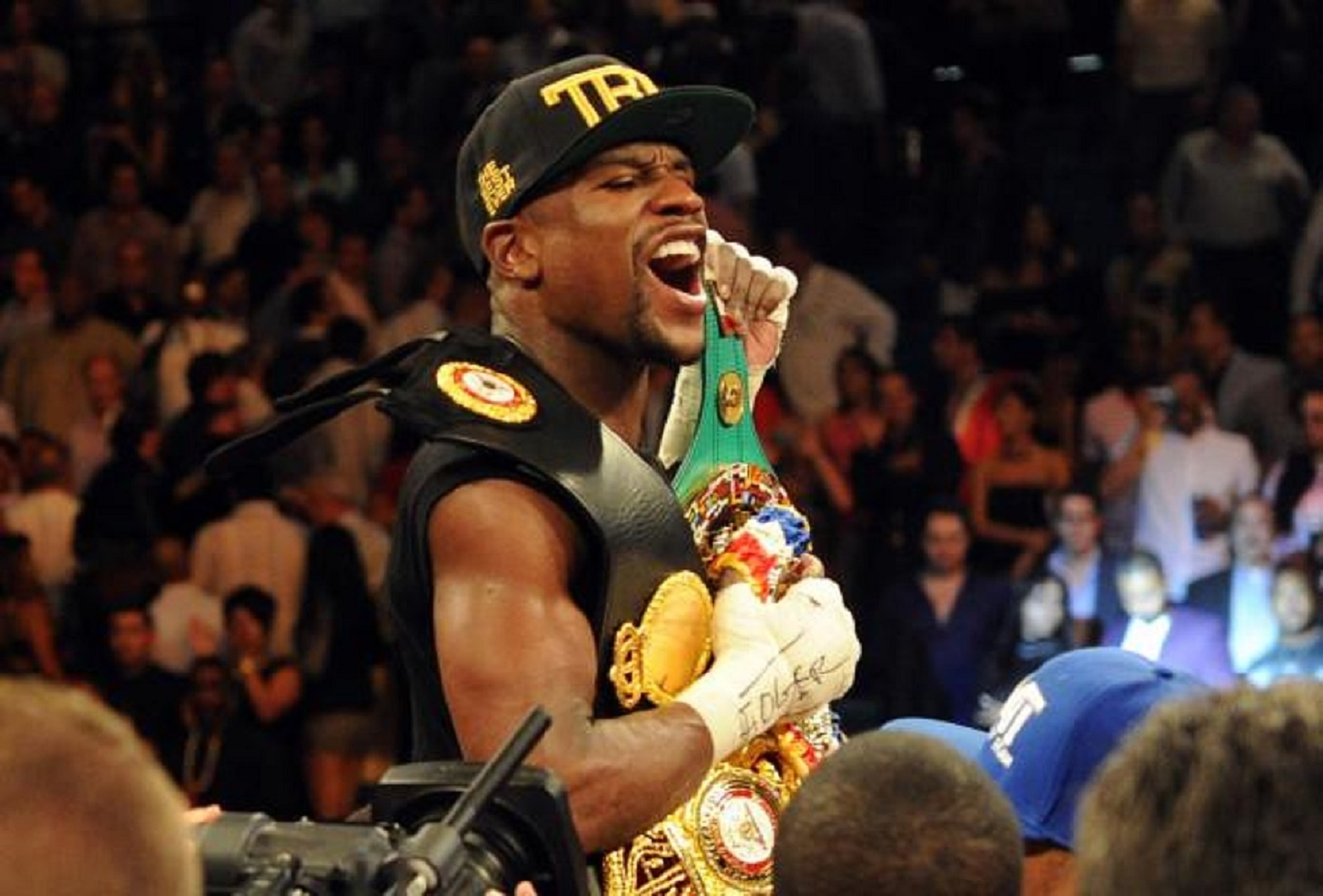Floyd Mayweather Gets Deep After The Loss Of Uncle Roger Mayweather
