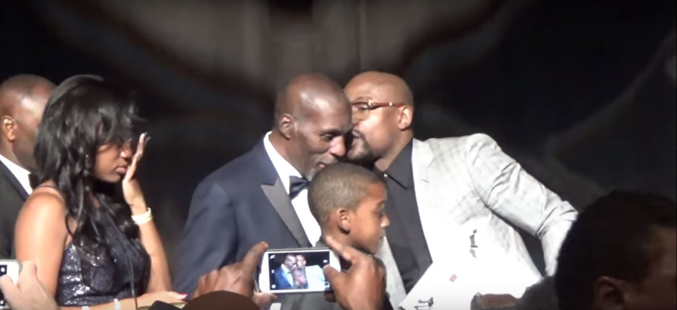 Floyd Mayweather Reacts To The Passing Of His Uncle Roger Mayweather