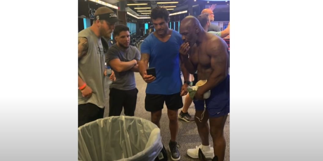 53 year old mike tyson ripped training with vitor belfort