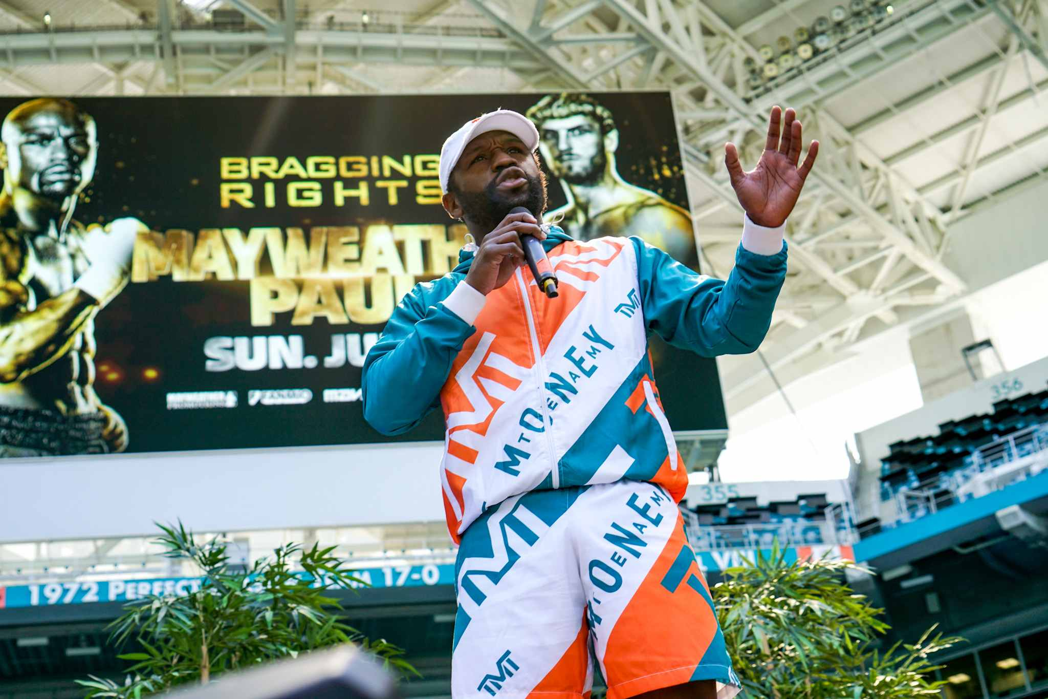 Conor McGregor Reacts To Mayweather Altercation In Miami
