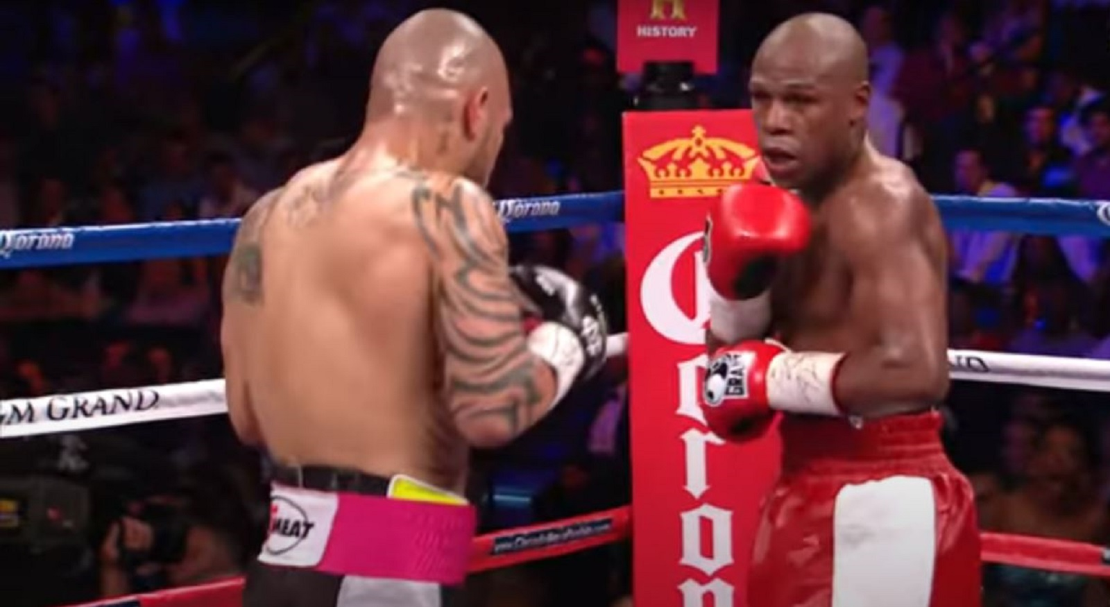 Mayweather Offers Reward After His Home Gets Robbed