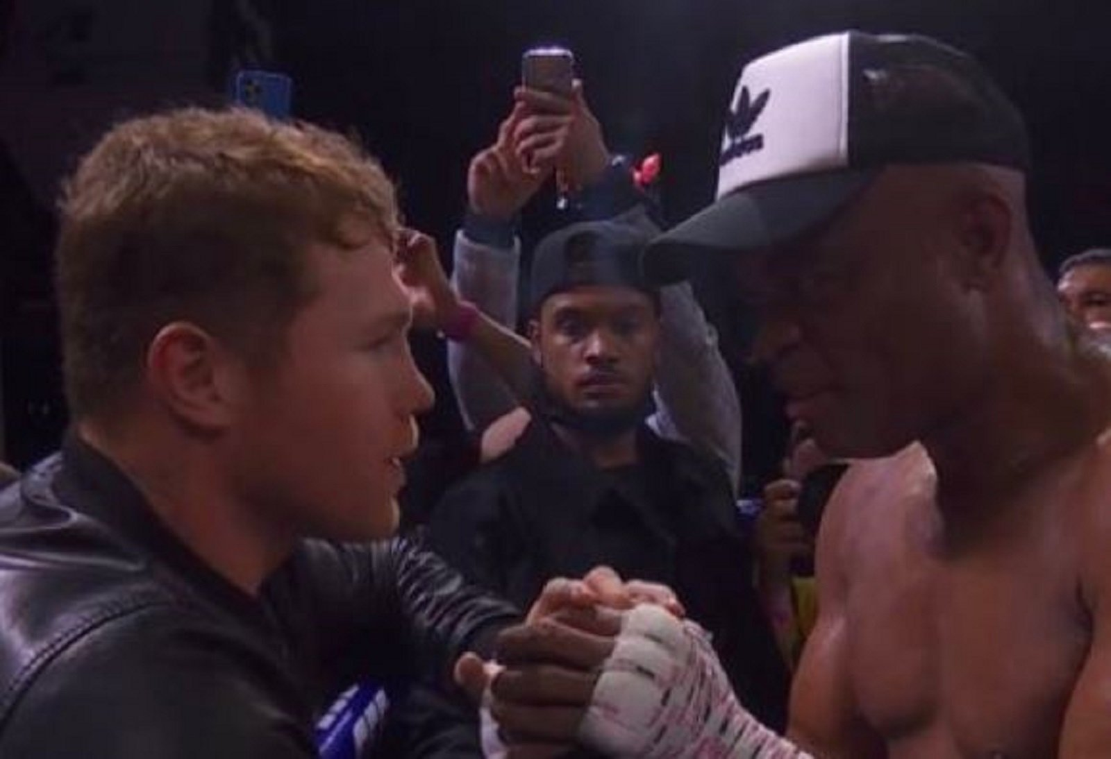 canelo reacts to fight legend beating son of boxing legend
