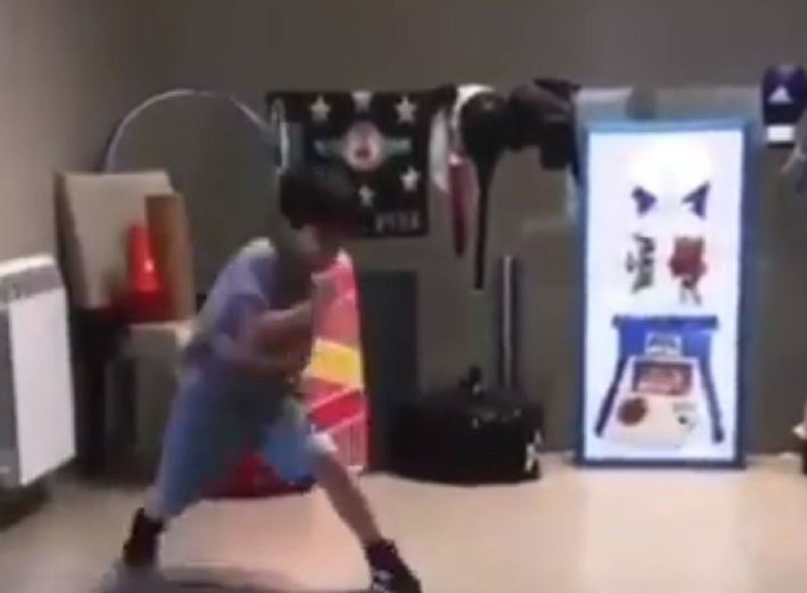 Kid Wins The Internet With Lightning Shadow Boxing Speed